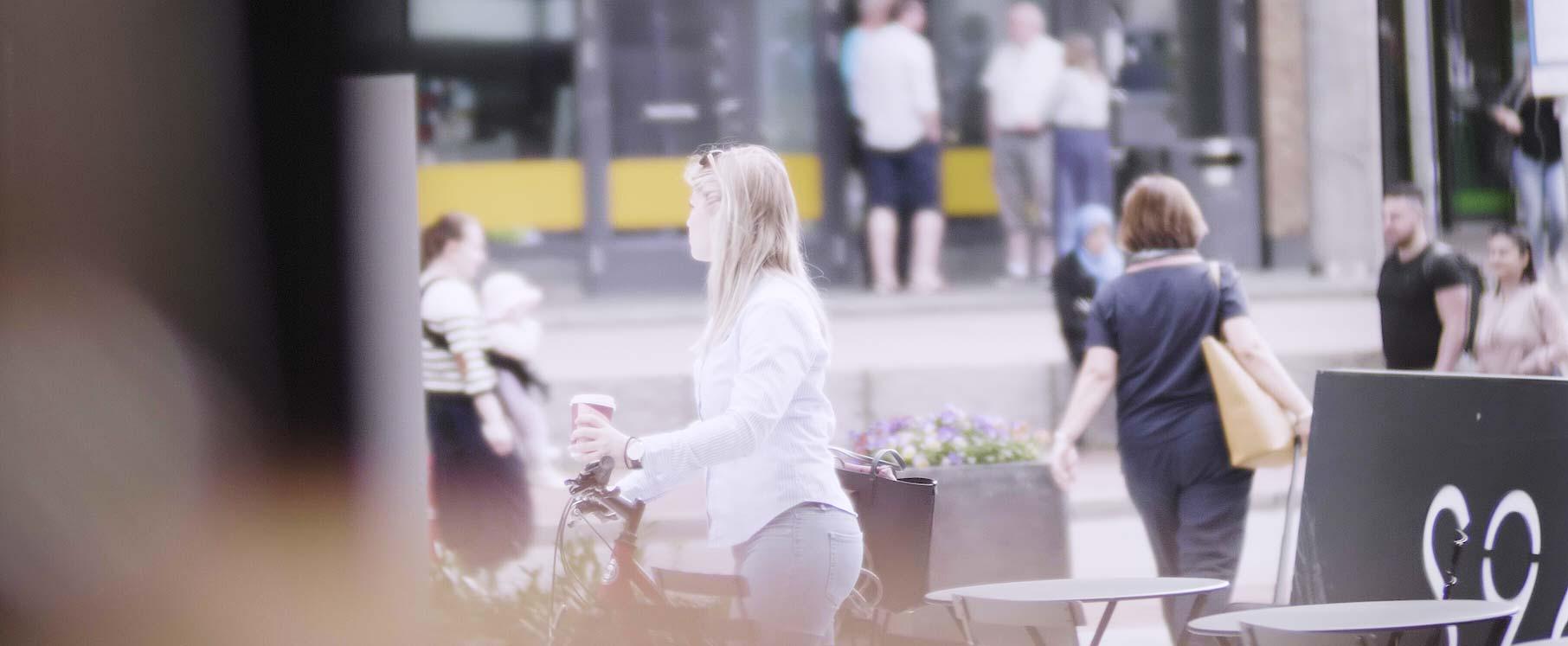 jente-med-sykkel-kroppet2